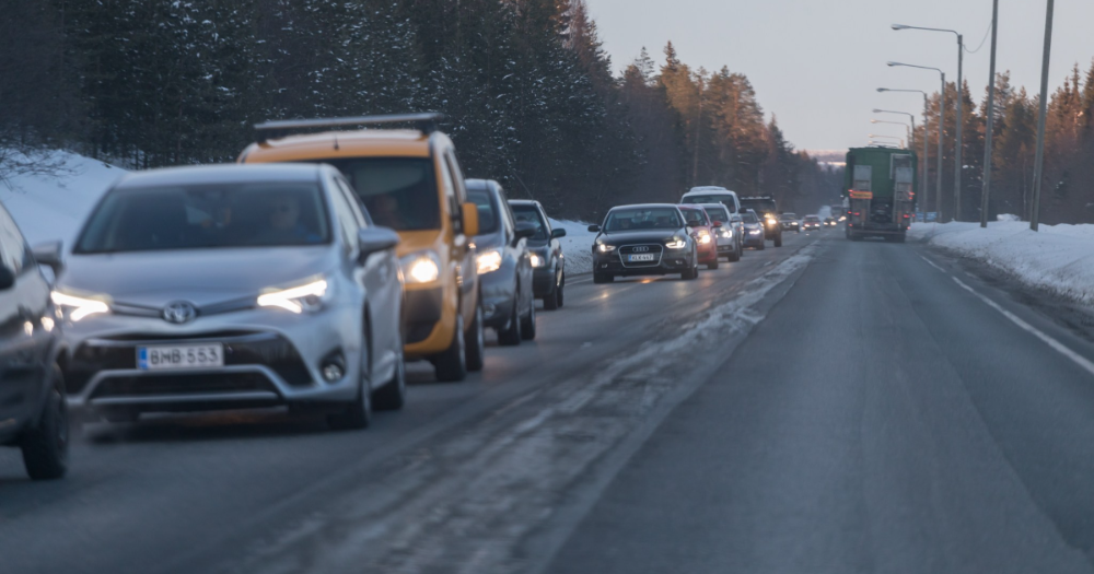 Cars on the road (Photo: Juha Tuomi/Rodeo)