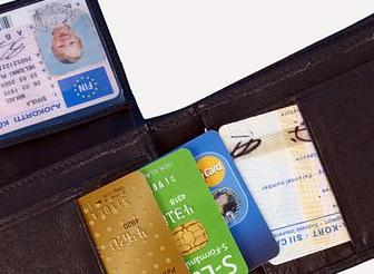 Wallet and identity card (Photo: Rodeo)