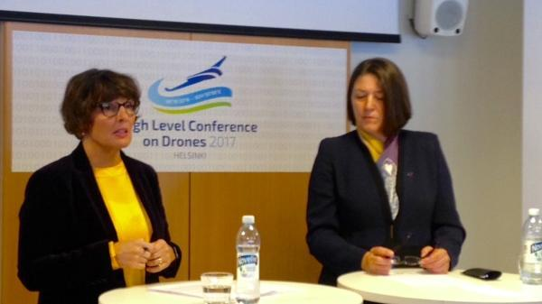 Minister Anne Berner and Commissioner of Transport Violeta Bulc at Drone conference 21.11.2017 (Photo: Ministry of Transport and Communications)