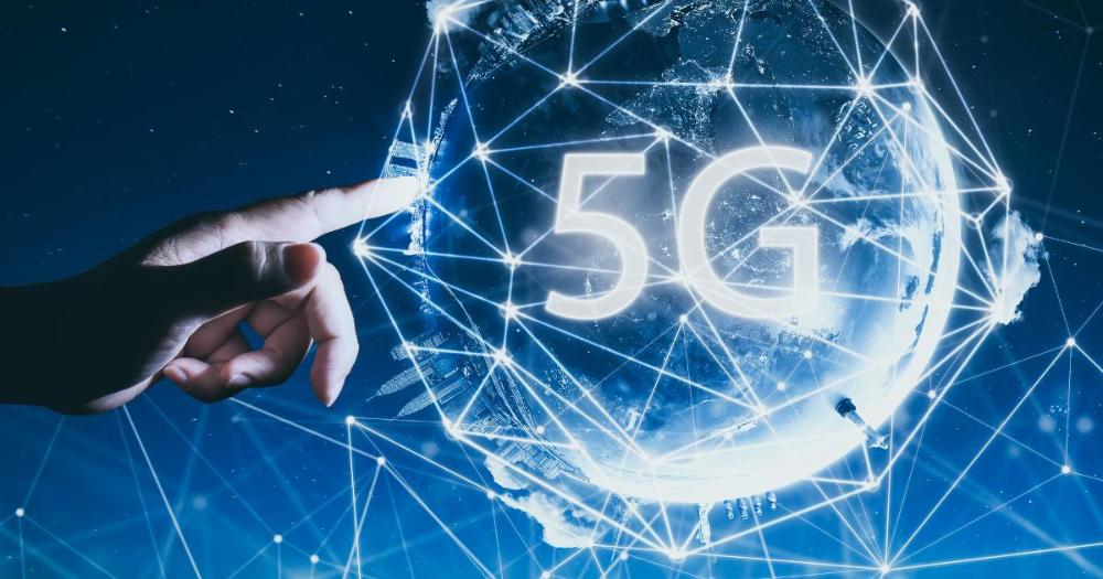 Hand, 5G-network. An illustration. (Photo: Shutterstock)