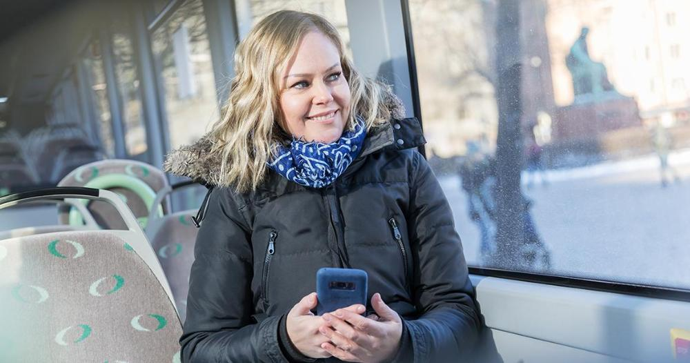 Girl on the bus (Photo: Juha Tuomi/Rodeo)