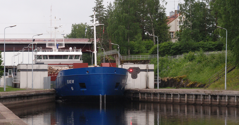A ship at Mälkiä lock (Photo: Saimaa Canal Delegate's Office, Ministry of Transport and Communications)